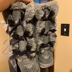 Grey tall bow ugg boots